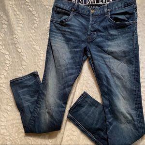 HUDSON• 33• dark skinny jean